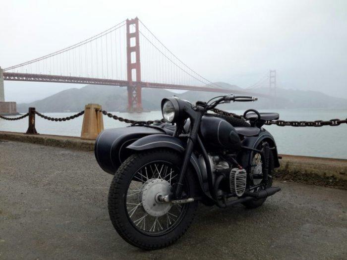 Оренбуржец подарил фронтмену группы Metallica мотоцикл К-750