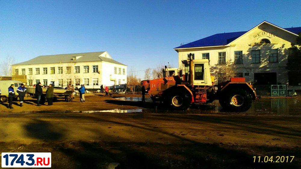Неменее  600 граждан  поселка под Оренбургом эвакуируют из-за угрозы подтопления