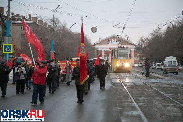 НаКрасной площади начался марш вчесть 75-летия парада вМоскве