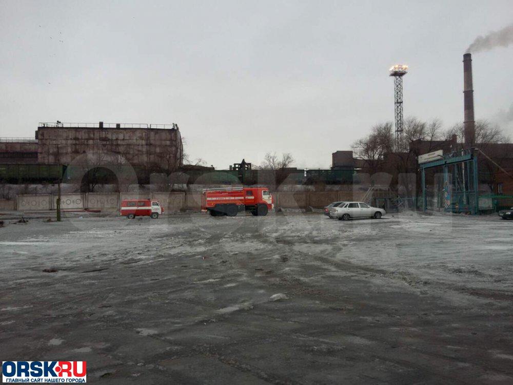 ВНовотроицке неменее 100 человек тушили сверепый пожар на«Уральской стали»