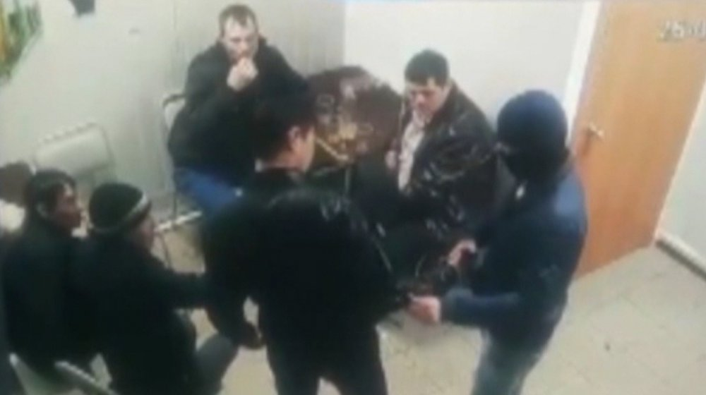 Вмагазине напитков вмужчину стреляли изпистолета— Оренбург