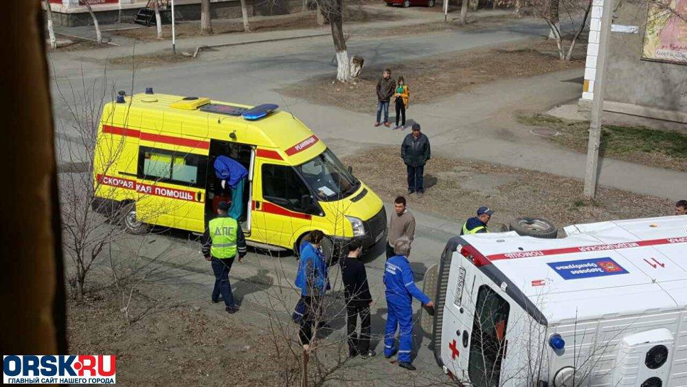 Фото сместа трагедии «скорой помощи» вОрске