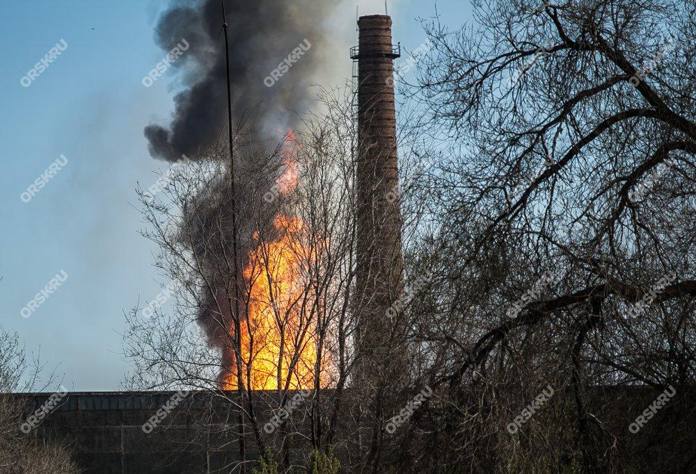 Удивительный пожар наТЭЦ вОрске попал навидео
