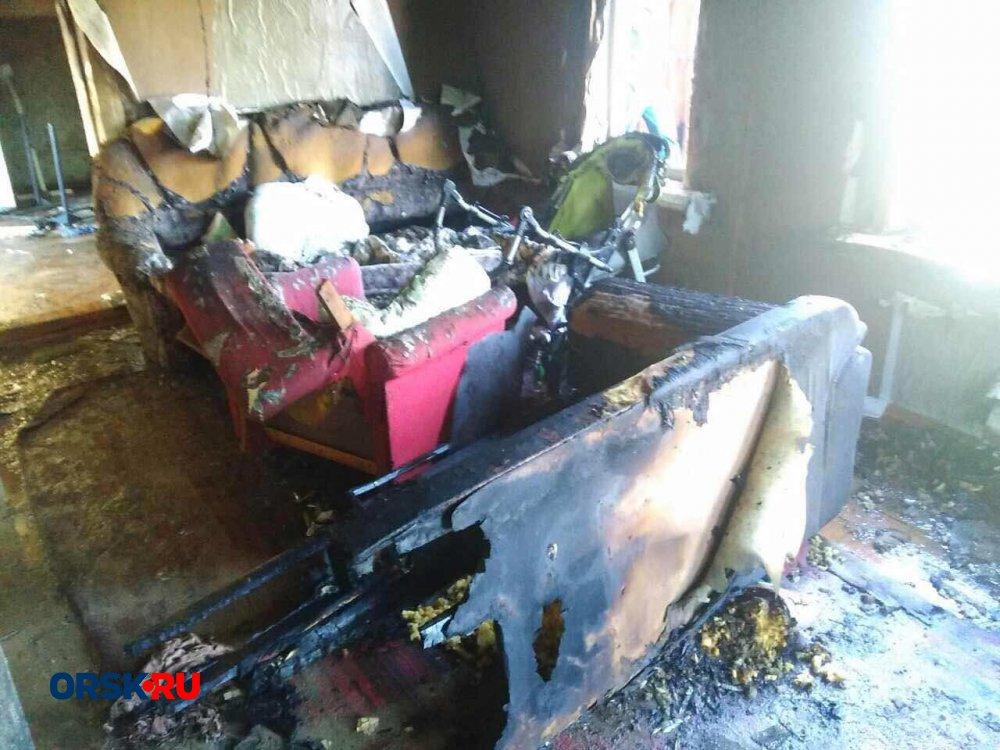 ВОренбургской области впожаре  живьем  сгорела многодетная семья
