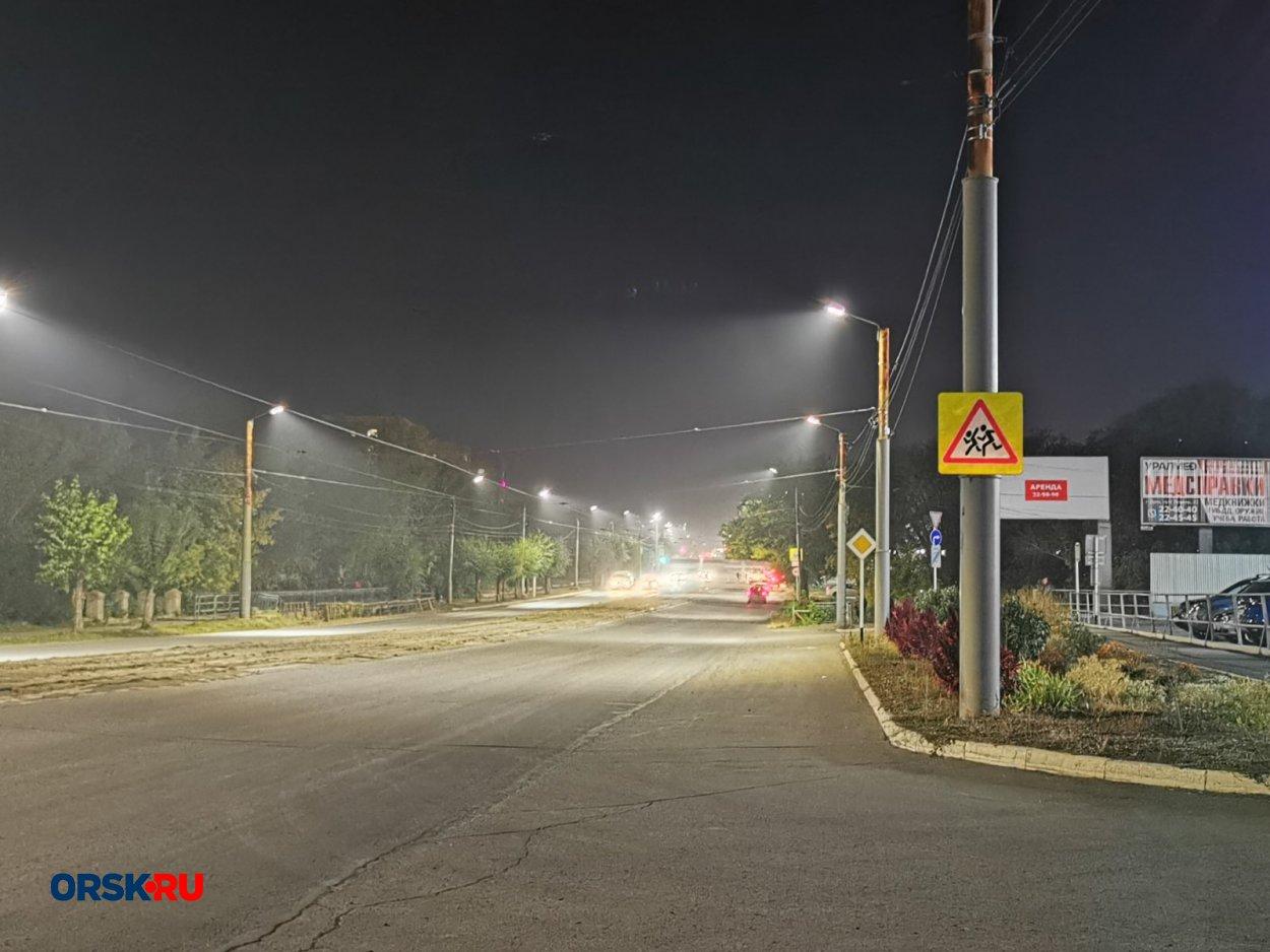 Жители Орска жалуются на невыносимую вонь в центре города